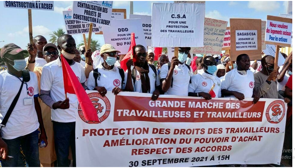 La Confédération des syndicats autonomes dans la rue