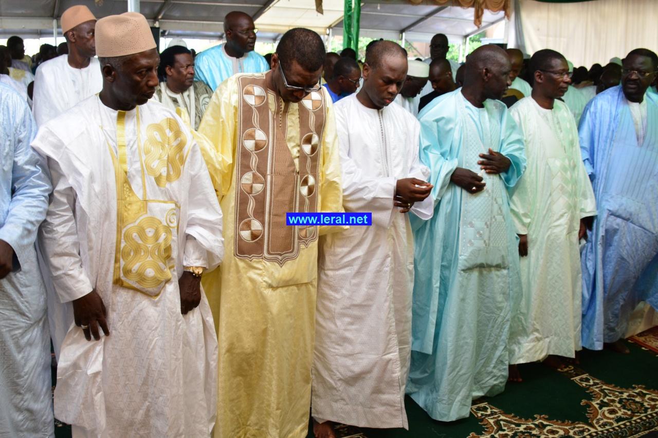 En images-Prière Korité à la grande mosquée Masalikoul djinane