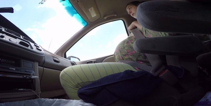 VIDEO : Cette maman donne naissance à un bébé de 4,5 kg... dans la voiture en direction de l'hôpital ! Le sang-froid du couple est absolument remarquable...