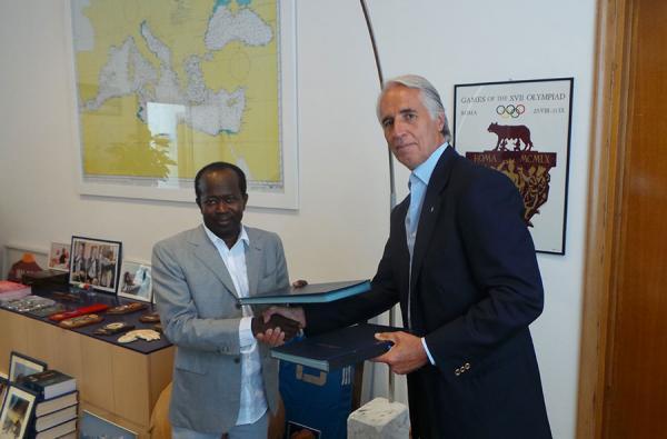 Olympisme – Accord de coopération entre le CNOSS et le CONI : Diagna Ndiaye et Giovanni Malago s'engagent pour 5 ans
