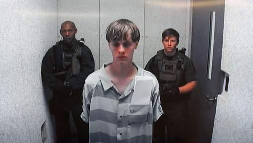 Meurtre à l'église noire de Charleston : Dylan Roof inculpé de crimes racistes