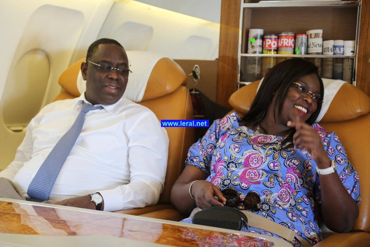 Le couple présidentiel heureux,  dans  la Pointe de Sarène