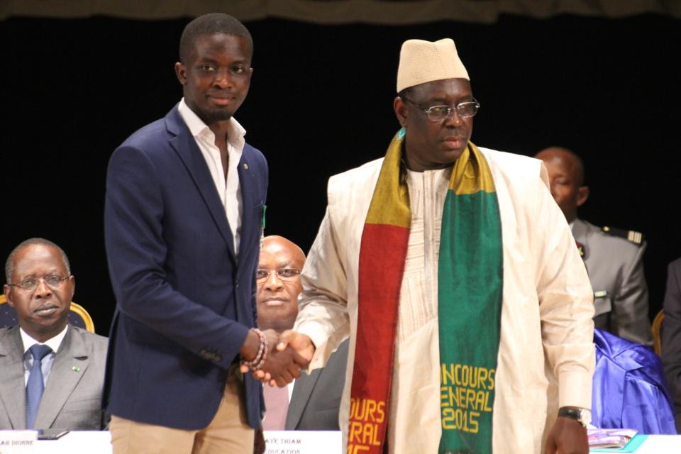 Distinction: Macky Sall élève Mohamed Mbougar Sarr au grade de chevalier de l'Ordre du mérite