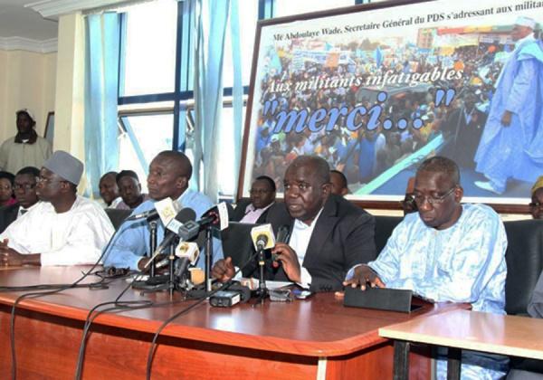 """Conférence des leaders du Front Patriotique:  """"Déclaration au sujet de l'acte de rejet de Macky Sall posé par les étudiants de l'UCAD"""""""