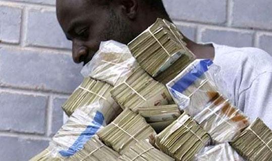Abus de confiance : Un homme vole 10 millions à son patron pour épouser sa fiancée