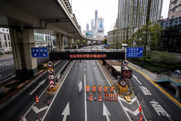 Thiès: Demba Kâ Edk Oil construit une station service sous une ligne haute tension