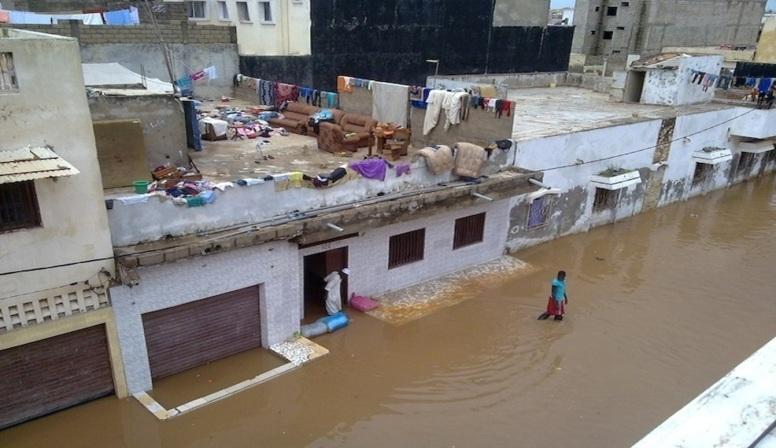 La banlieue paralysée par les eaux