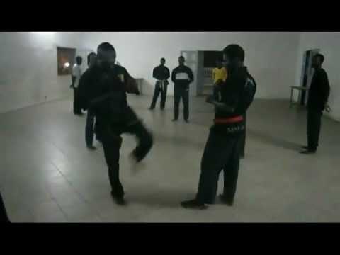 Pour lutter contre le recours illégal aux gardes du corps : 25 jeunes reçoivent une formation dans la banlieue
