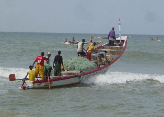 Deux pirogues arraisonnées pour pêche en zone interdite