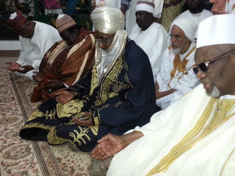 Le Roi de Kanu débarque à Médina Baye à bord de son avion privé pour une visite privée