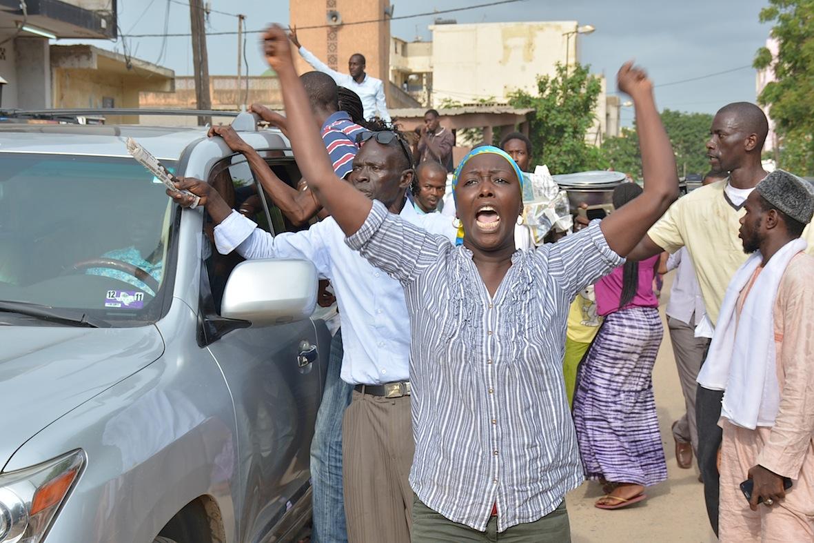 Ça chauffe à la Place de l'Obelisque : Trois personnes arrêtées dont Pape Samba Mboup et Marie Aw