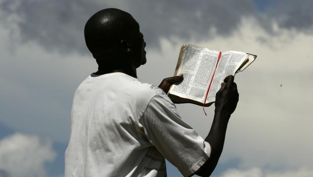 """""""Eglises du réveil"""", """"églises évangéliques"""", """"églises de la guérison"""", """"ministères""""..., L'Afrique face au problème des cultes et des prophètes autoproclamés"""