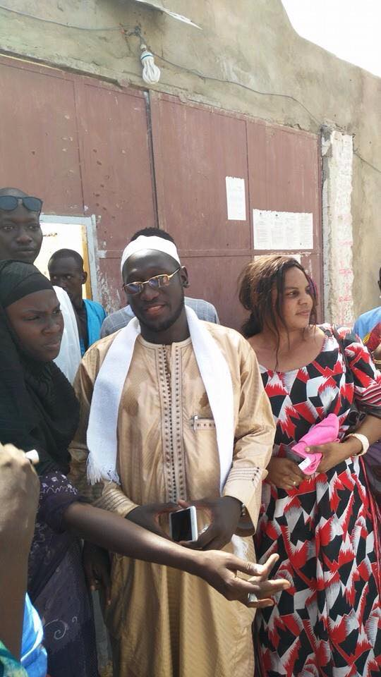 Serigne Assane Mbacké devant la Mac de Diourbel, hier