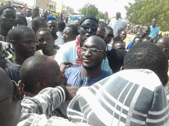 Serigne Assane Mbacké accueilli à Touba par une foule nombreuse