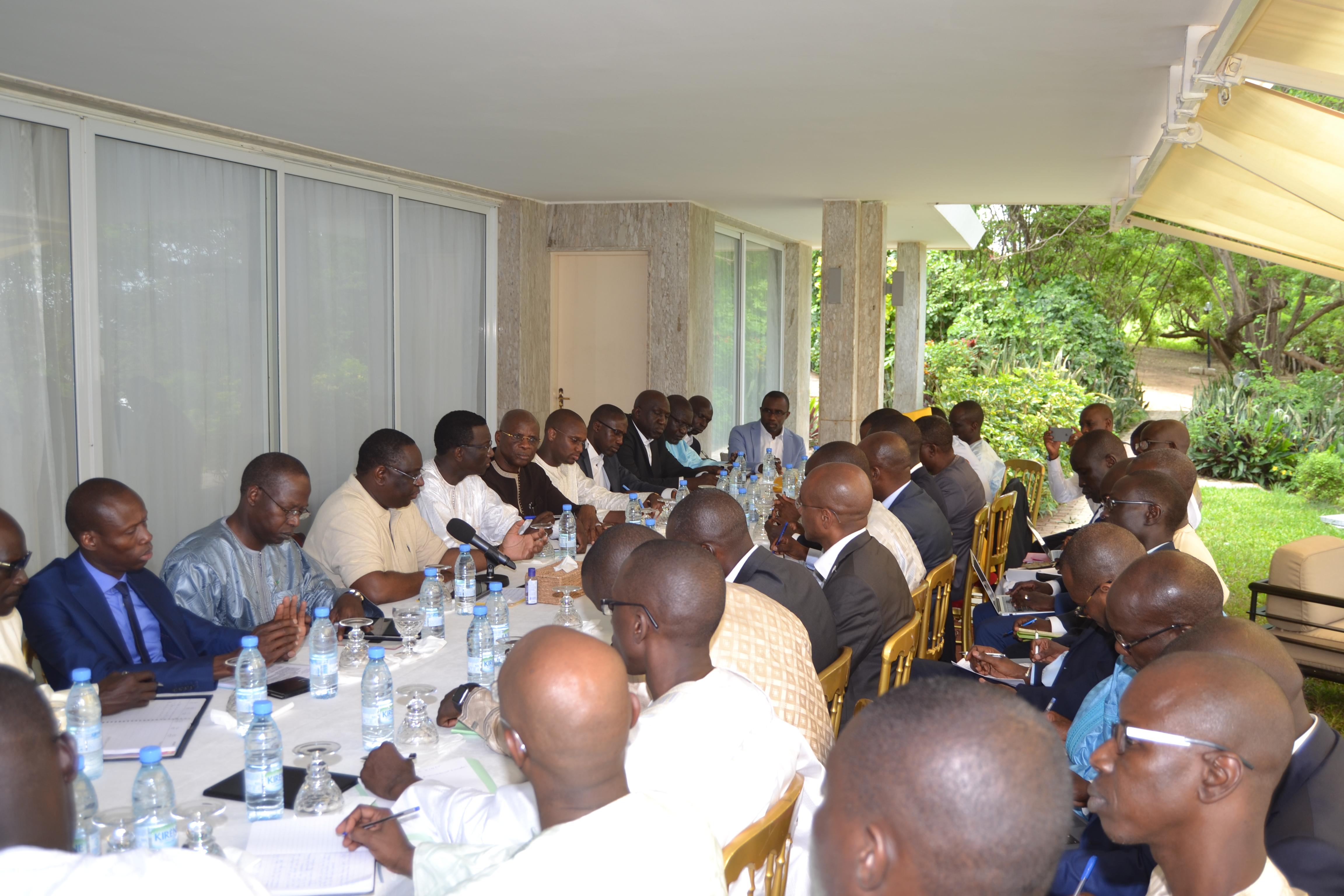 (exclusif) Le Président Macky Sall a rencontré des Dg et cadres pour une meilleure satisfaction des citoyens