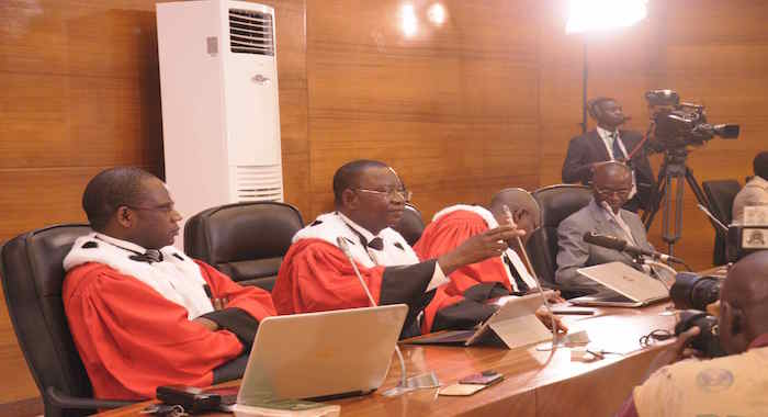 """Vidéo-Hissène Habré aux juges des Chambres africaines : """"Nous gagnerons contre les mercenaires, les corrompus et les traîtres !"""""""