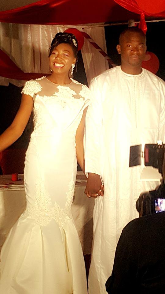 6 photos reception du mariage de bijou ndiaye de la tfm hier l 39 h tel des almadies. Black Bedroom Furniture Sets. Home Design Ideas