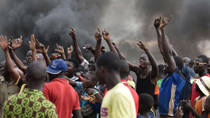 Coup d'Etat au Burkina: Bref regain de tensions à Ouagadougou mais les négociations se poursuivent