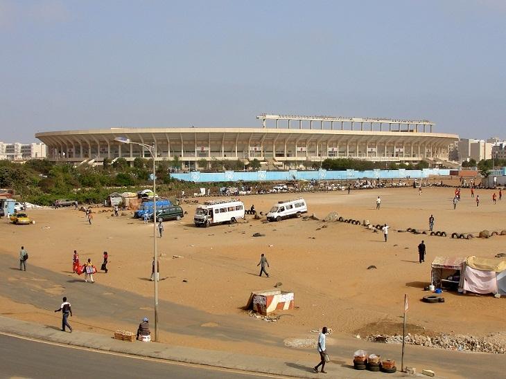 Parking du stade Lss : Sommé d'arrêter les travaux, le promoteur a repris de plus belle son œuvre