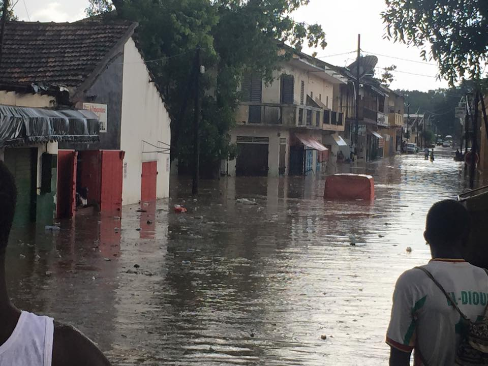Vidéo - Graves inondations à Thiès: Des maisons effondrées, des mosquées englouties