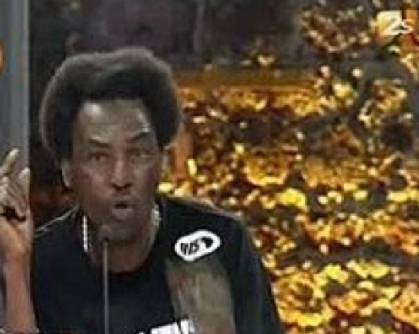 """Vidéo-Le rappeur Mohamed Fall, """"10.000 probèmes"""", dément, face à Tounkara, l'usage de yamba"""