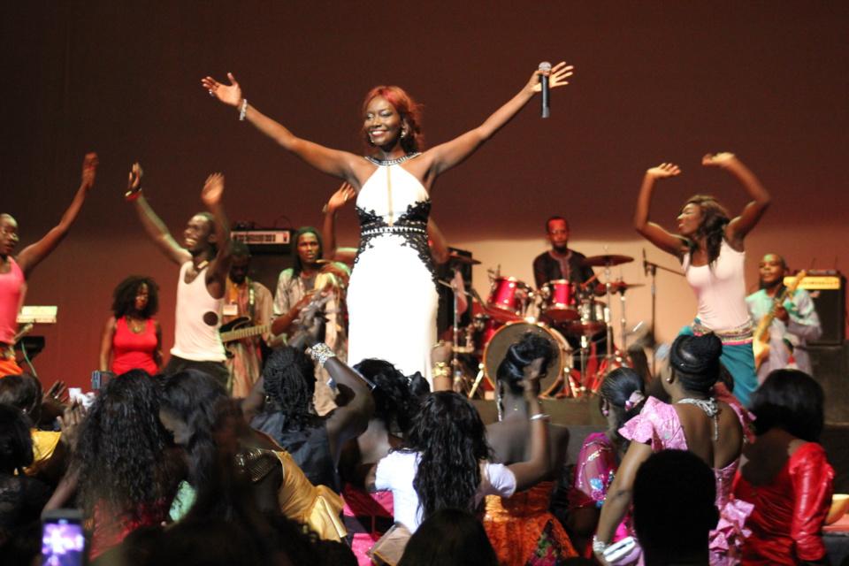 Coumba Gawlo au Dock Haussan de Paris ce 10 octobre: La diaspora sénégalaise à fond dans les préparatifs des 25 ans de carrières de la diva . Regardez.