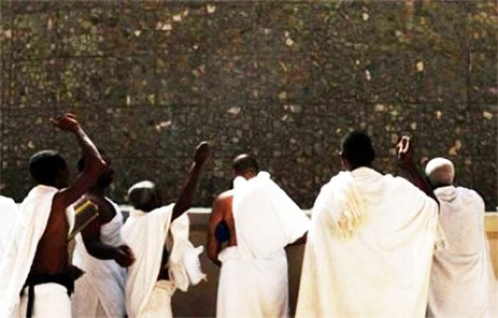 Pèlerinage à La Mecque:  Séance de lapidation de Satan à Jamra