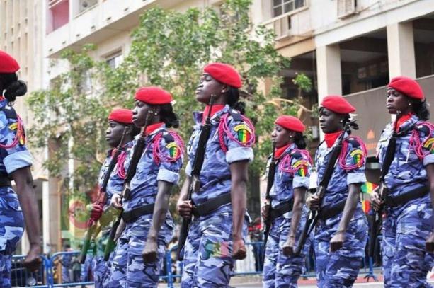 Police : Les officiers de police ont un double mandat de servir et de protéger le public
