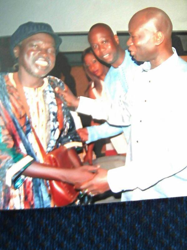 """Omar... peiné par le décès de Moussa Ngom, témoigne: """" Il était d'une humilité indescriptible (...) Je crois que Moussa Ngom était venu nous dire nous dire : """"adieu!"""" (...) Il m'a confié qu'il allait retourner ce lundi à Banjul (...)"""""""
