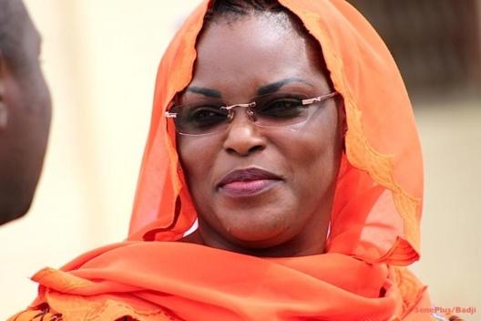 Attaques des jeunes marabouts contre la Première Dame : Serigne Cheikhouna Mbacké prend la défense de Marième Faye Sall