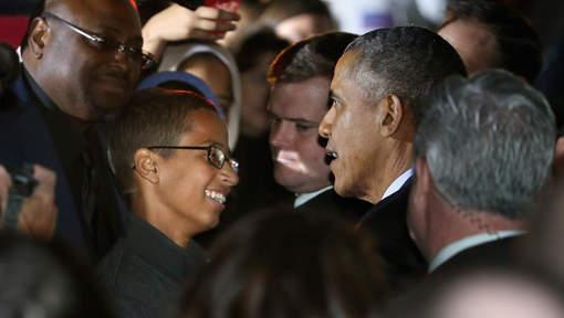 L'adolescent à l'horloge bricolée reçu à la Maison Blanche