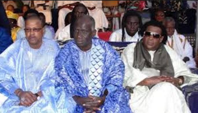 Manœuvres tous azimuts pour sa réélection,  Macky Sall reçoit la communauté Maure résidant au Sénégal et leur promet ...