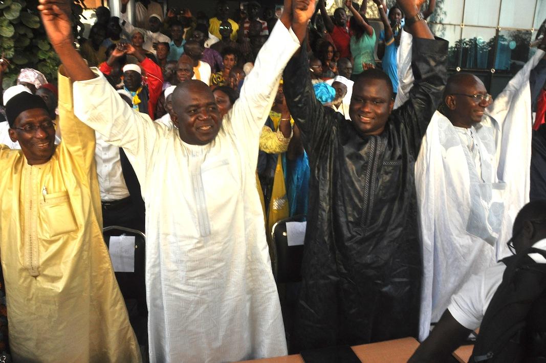 """Photos - Face aux """"dérives"""" de Macky Sall: L'opposition durcit le ton"""