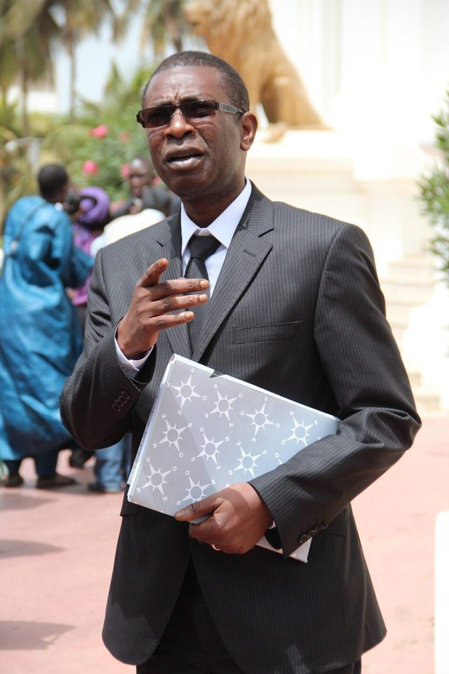 Election présidentielle de 2017 : Youssou Ndour se range déjà derrière Macky Sall et précise…