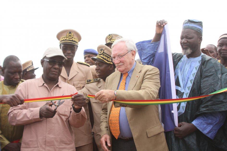 Inauguration du système d'adduction d'eau de Diawara avec le Secrétaire d'Etat à l'hydraulique rural, Diéne Faye