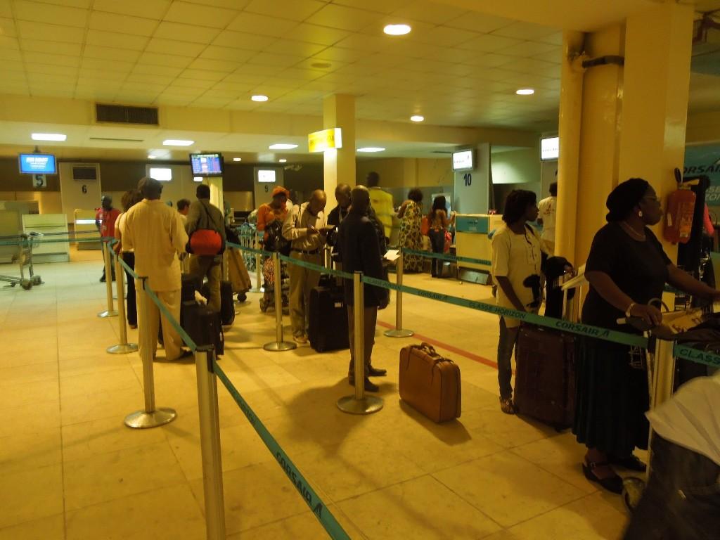 STOP Passe droit au Sénégal : Aéroport, banque, Administration, lieux publics