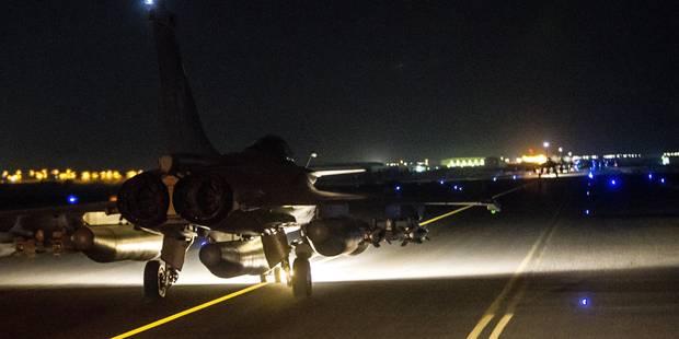 En réponse aux attaques à Paris: La France largue 20 bombes sur le fief de l'Etat islamique