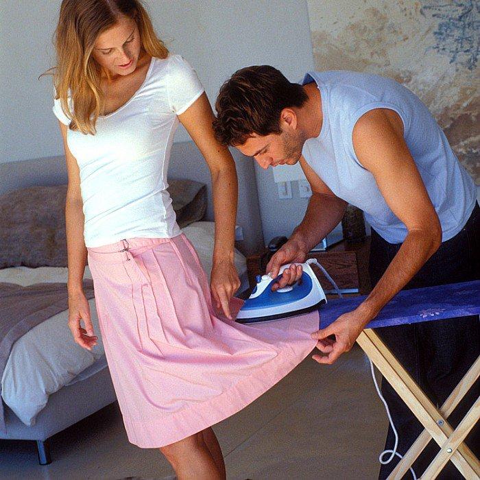 D'après une étude, les hommes qui participent aux tâches ménagères sont de super coups au lit !