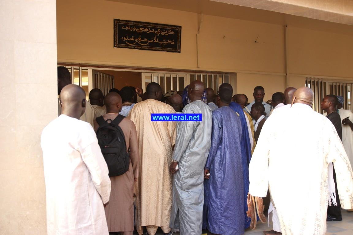 Vidéo - L'arrivée du président Macky Sall à Touba. Regardez