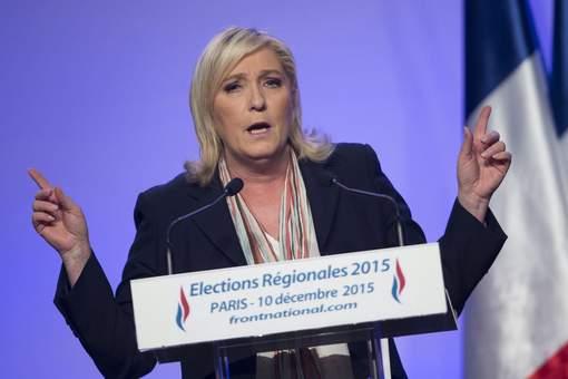"""FN : une """"arnaque"""" qui """"peut conduire à la guerre civile"""", selon Manuel Valls"""