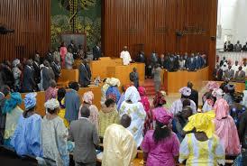 Regardez le comportement des députés à l'Assemblée nationale