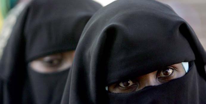 Thiaroye: Une femme en burqa brutalisée par un vigile, les défenseurs des droits  de l'homme s'indignent