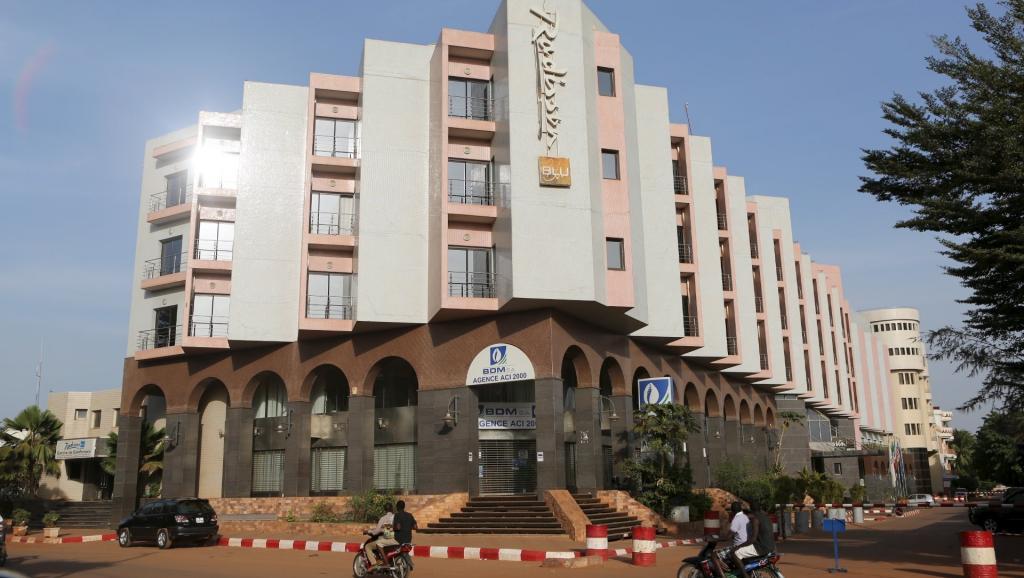 Mali : réouverture de l'hôtel Radisson après l'attaque du 20 novembre