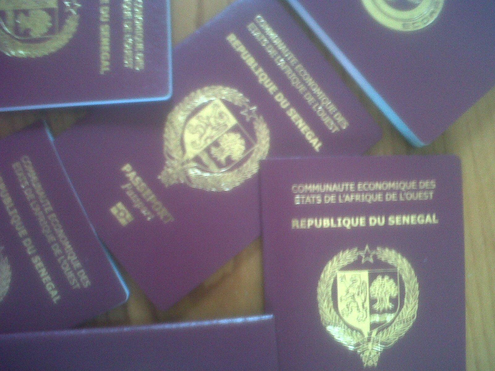 """L'""""ami"""" de Mankeur Ndiaye vend un passeport diplomatique à une Mbacké-Mbacké"""