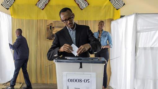 Kagame pourra se présenter aux présidentielles jusqu'en 2029