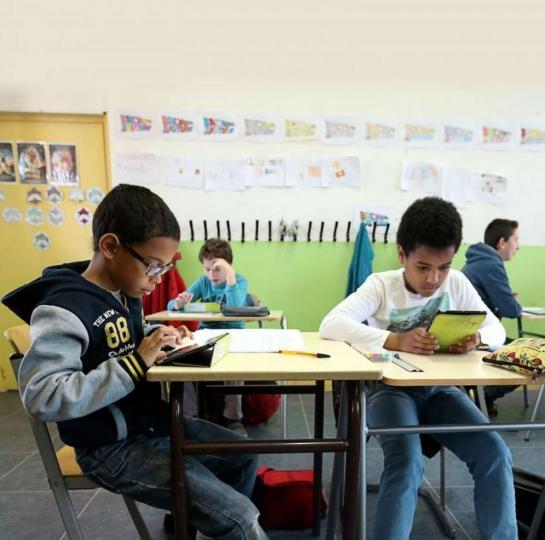 Manuels scolaires : L'Unesco présente un nouveau modèle pour faciliter l'accès