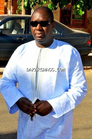 Salam Diallo très élégant en boubou traditionnel