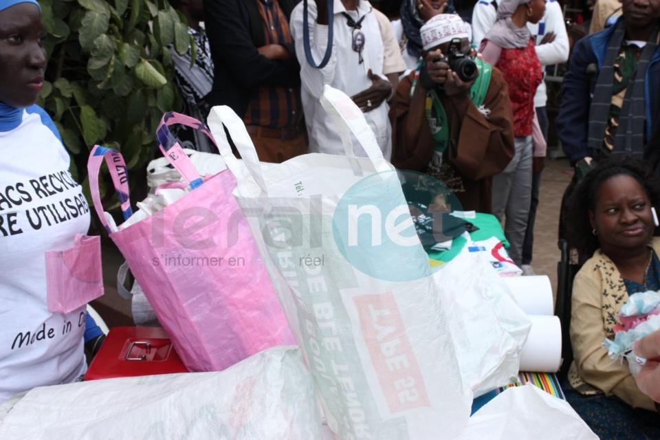 Lutte contre les sachets à faible grammage : Les personnes à mobilité réduite de Ouakam créent de sacs recyclés