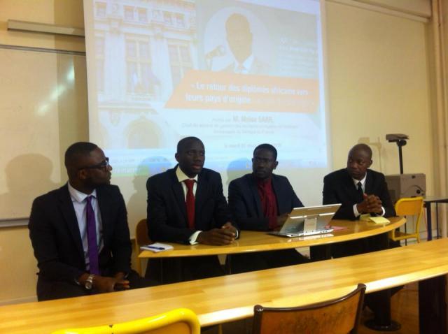 Les diplômés sénégalais en France dénoncent les barrières qui entravent leur retour au pays