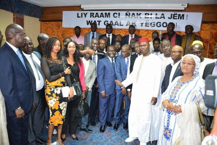 Idrissa Seck et les leaders du Front du « Non » à Thiès